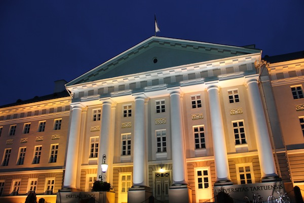 """University of Tartu at night"""