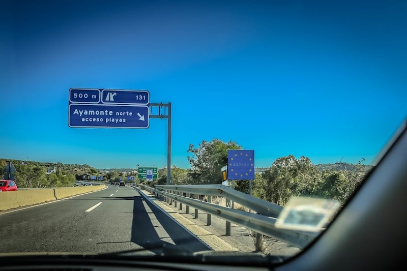 If you look really closely, you can see the sign that indicates we've entered Spain