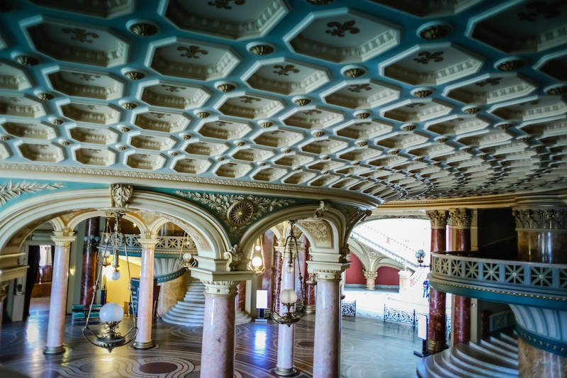 lobby and ceiling in the Romanian Athenaeum bucharest