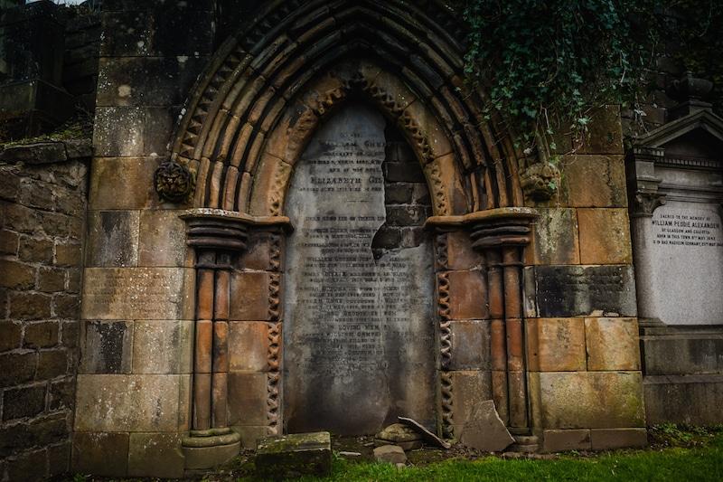 Glasgow necropolis grave