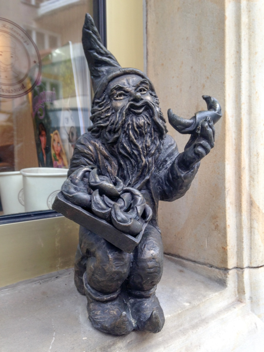 wroclaw gnome the baker in poland