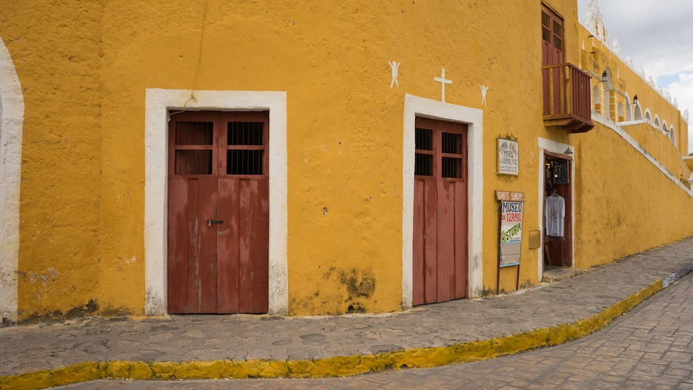 IzamalMexicoYellowTown-2