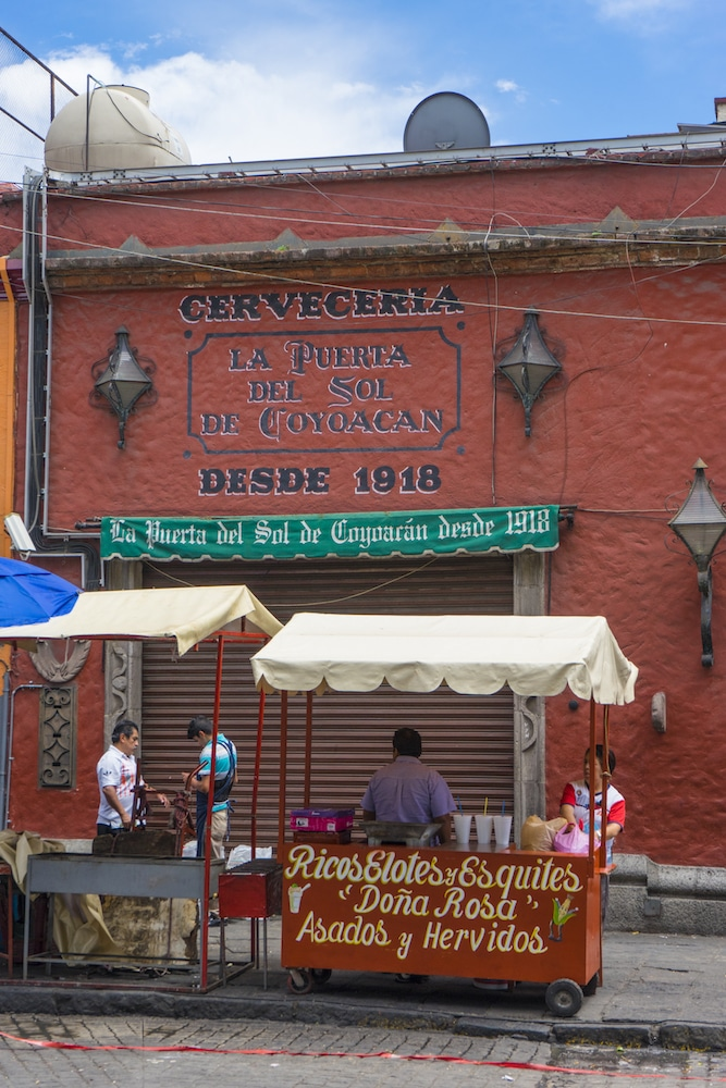 elote and esquite vendor Coyoacán Mexico City