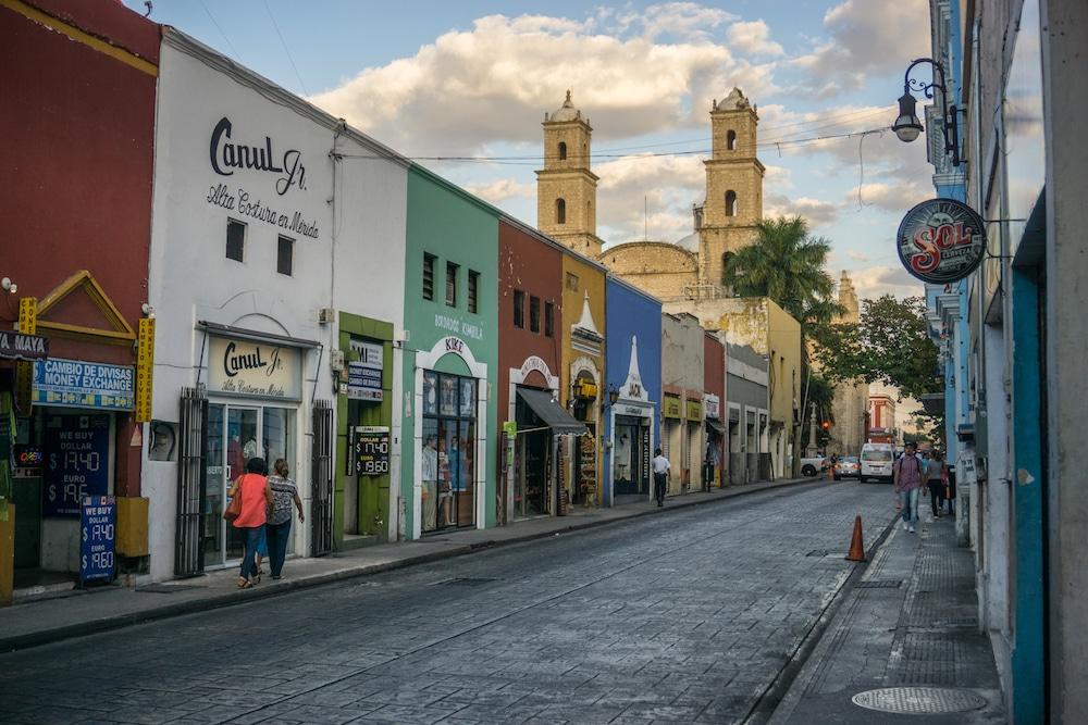 Merida-street-coloring Mexico