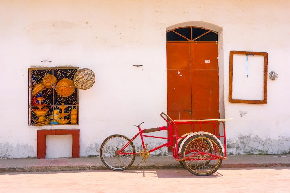 red bike tapijulapa tobasco