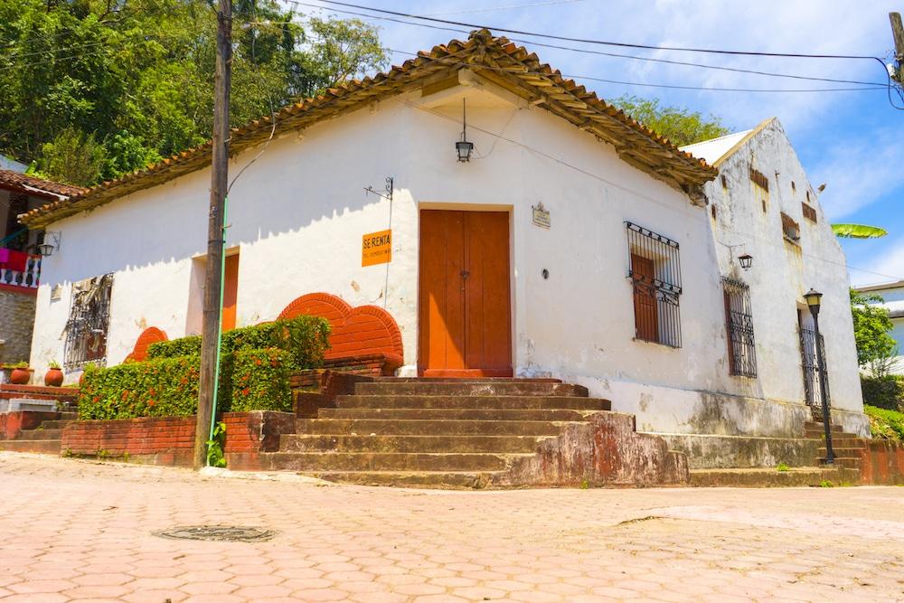 traditional house tapijulapa tobasco