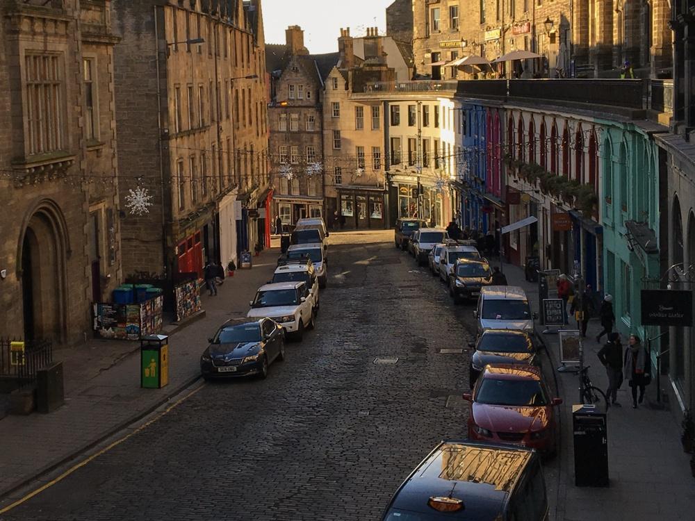 Edinburgh Shopping Guide Victoria Street