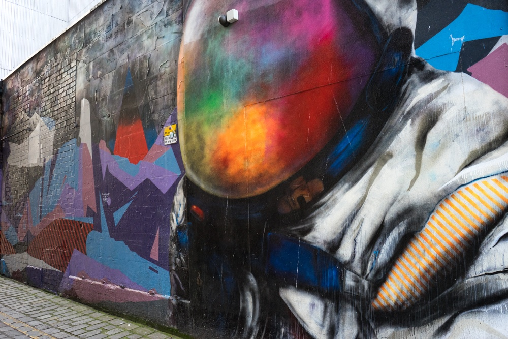 glasgow mural trail space man