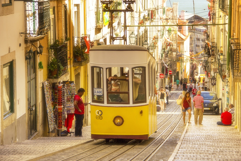 where to stay in lisbon - Lisbon tram