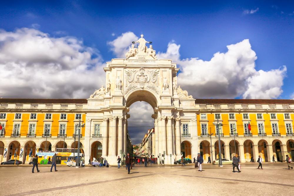 Arco da Rua Augusta in Praça do Comércio in Lisbon
