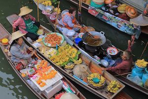 Damnoen Saduk Floating Market Tour