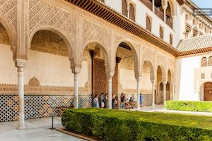 Alhambra and Generalife Tour