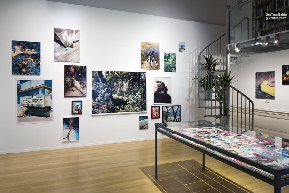 A blog list of amsterdam unusual things to do including the FOAM photography Museum
