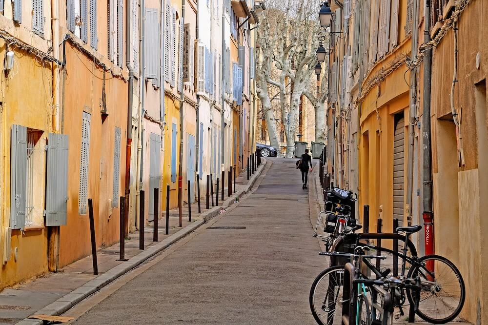 Wandering the pretty streets of Aix en Provence is one of the best things to do in Aix-en-Provence France