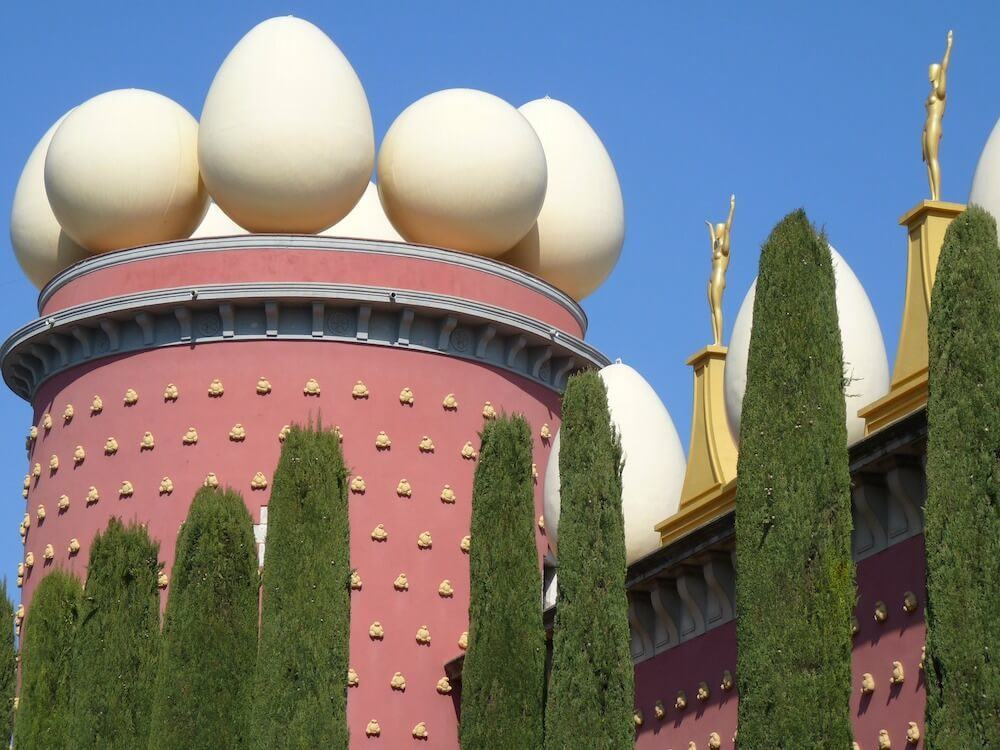 visit costa brava and go the Dali museum in Figueres