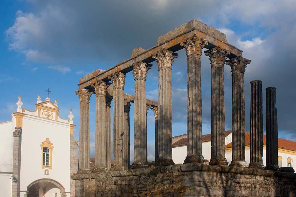 templo de diana evora - things to do in Evora Portugal