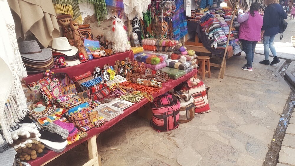 Explore the artisan markets when you visit cusco