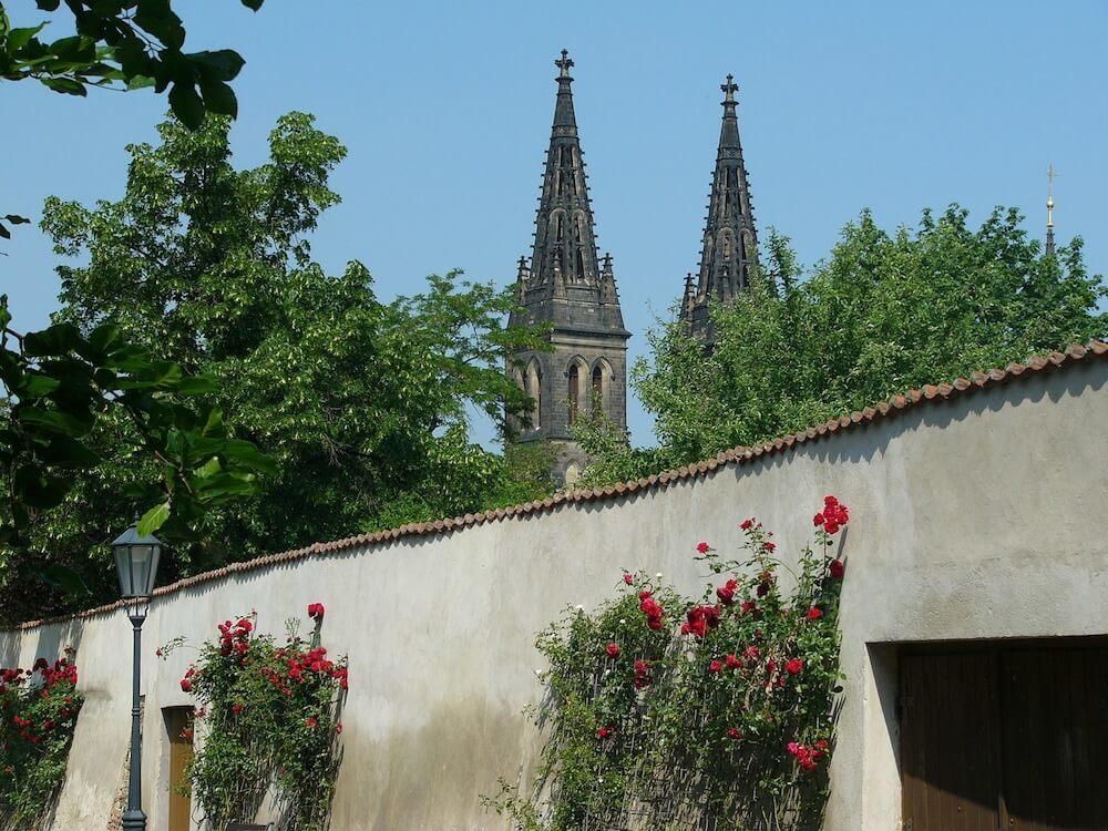 Guide to Vinohrady district Prague