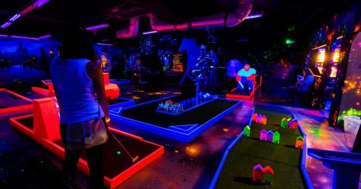 Play Glow Golf