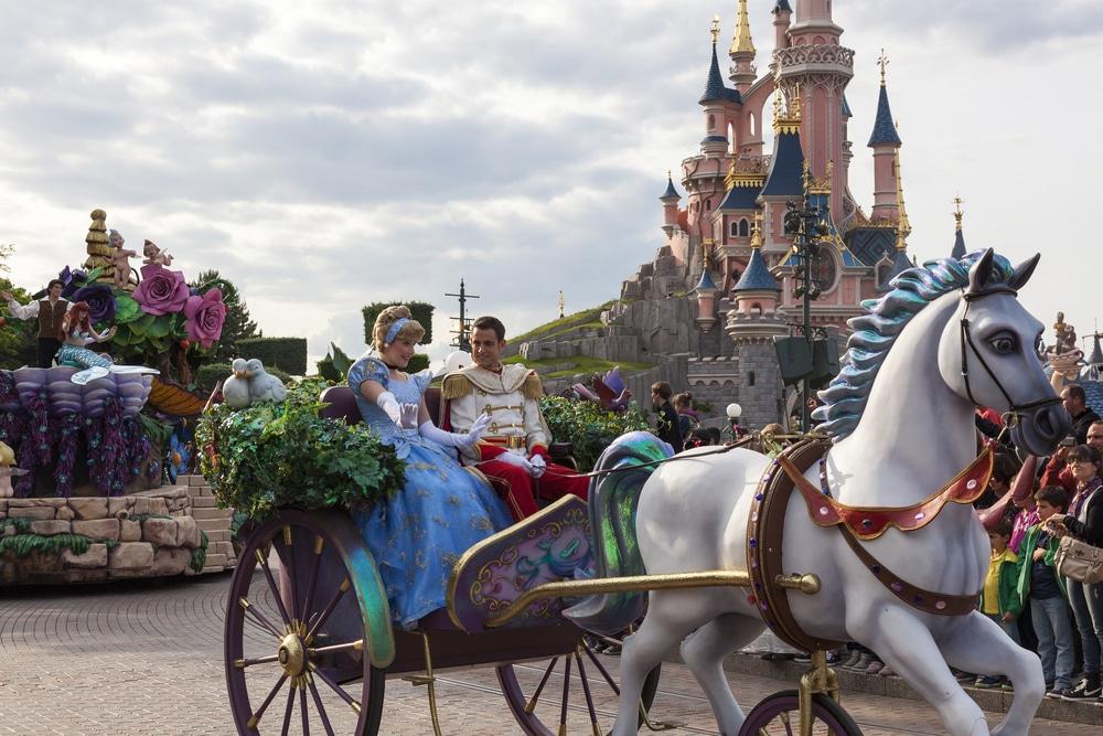 Cinderella and prince Charming in Disneyland Paris parade
